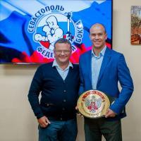 Максима Коптякова чествовали в Федерации бокса Севастополя