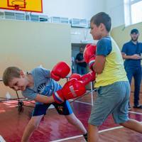 Юный спортсмены села Верхнесадовое получили экипировку